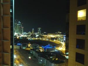 Dubai Skyline und Meer